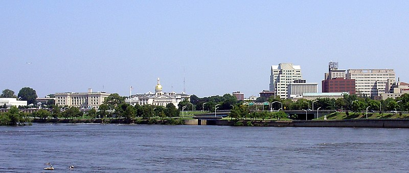 800px-2009-08-17_View_of_downtown_Trenton_in_New_Jersey_and_the_mouth_of_the_Assunpink_Creek_from_across_the_Delaware_River_in_Morrisville,_Pennsylvania