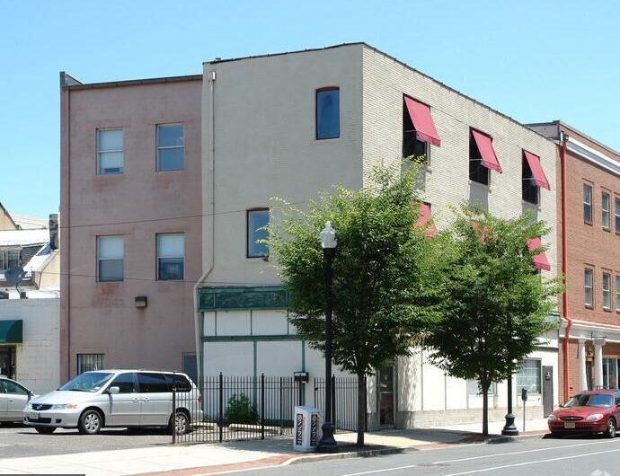 4 W Lafayette St, Trenton, NJ 08608